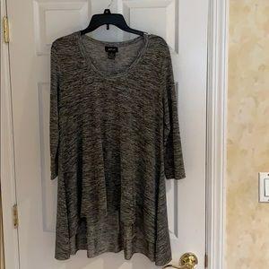 Size M light weight tunic top. Heather Grey/ black